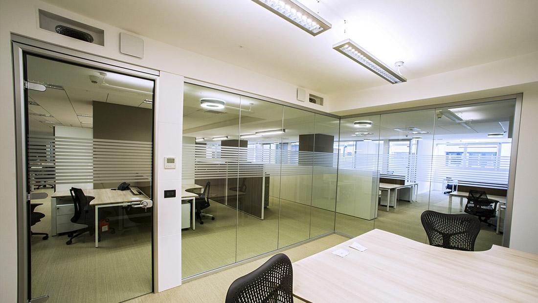 Uffici design cheap arredamenti per ufficio with uffici for Uffici temporanei roma prezzi